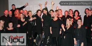 popkoor-njoy-breda-2016-11-18-optreden-met-band-cluster-1