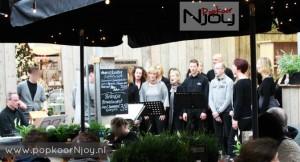 Popkoor Njoy Breda - Tuincentrum Schalk 2012 (3)