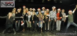 popkoor-njoy-breda-groepsfoto-kerst-2012-2